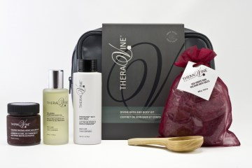 T665-3-DiVine-Bath-and-Body-Kit-003